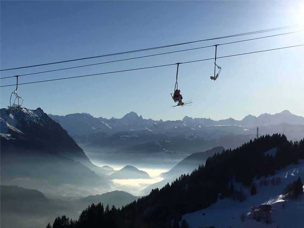 Location de ski, raquettes - PUREXPERIENCE - Les Gets