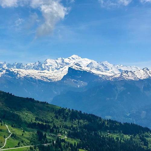 Les balcons du Mont Blanc en VTT électrique
